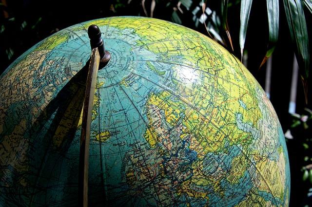 地球儀の北